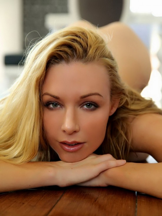 DangerCore - Kayden Kross - Back Sex Door Hottie! (FullHD/849MB)