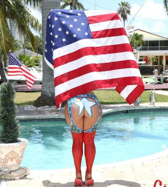 TeenCurves/TeamSkeet - Kelsi Monroe - 4th of July Booty  (HD/998 MiB)