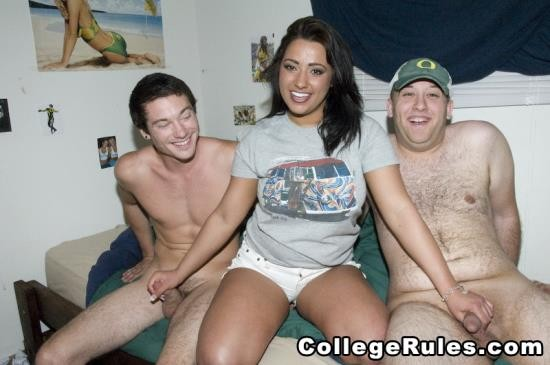 CollegeRules - Amateurs Girls - Dorm Train (HD/643 Mb)