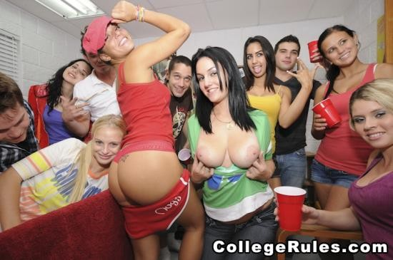 CollegeRules - Amateurs Girls - Sorority Girls Get Down (HD/602 Mb)