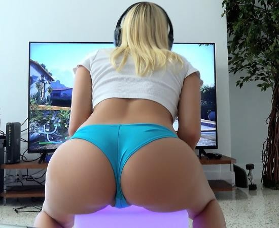 LatinaSexTapes/Mofos - Marsha May - Blonde Gamer Rides Cock (FullHD/3.31 GiB)