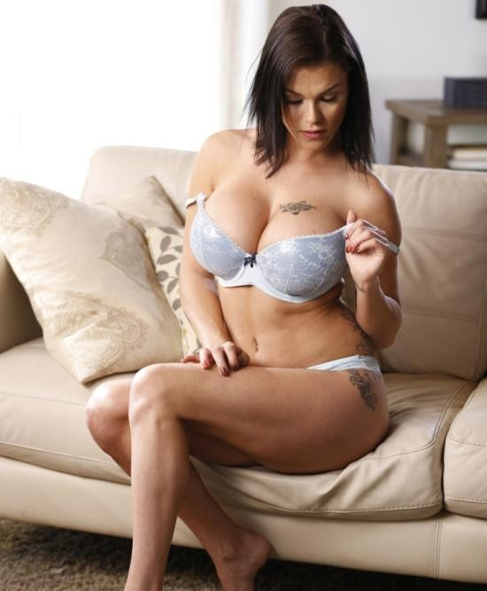 NewSensations - Peta Jensen - I Love My Moms Big Tits 2 (HD/1.10 GiB)