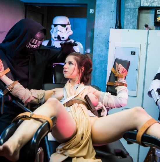 DigitalPlayground - Stella Cox - Force Awakens: A XXX Parody (HD/822 MiB)