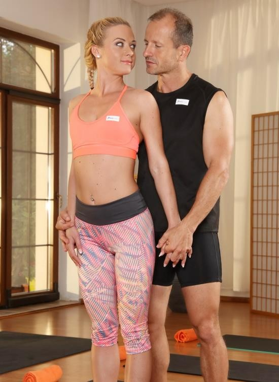 FitnessRooms - Cristin Caitlin - Group Yoga Class Ends In Creampie (FullHD/1.72 GB)