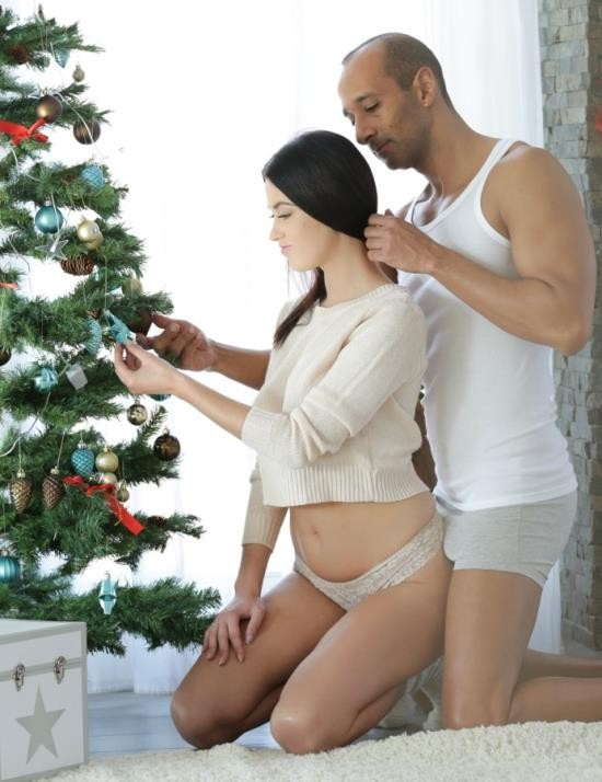 21Naturals/21Sextury - Nikky Perry - Coming Home for Xmas (HD/969 MiB)