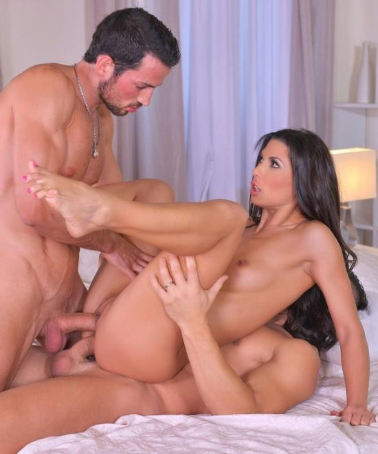 HandsonHardcore/DDFNetwork - Alexa Tomas - Discharged: Soldier And Husband Double Penetrate Horny Wife (HD/2.01 GiB)