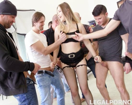 LegalPorno - Selvaggia - 7 On 1 Double Anal GangBang Selvaggia, With Sperma Party GIO340 (FullHD/4.38 GB)