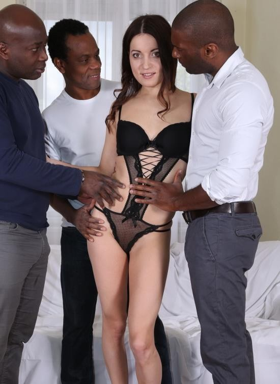 LegalPorno - Roxy Dee - Roxy Dee Is New Gape Girl Who Decide To Get Her Ass Blacked IV062 (HD/1.22 GB)