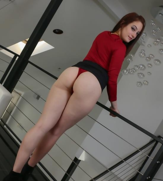 ThisGirlSucks/TeamSkeet - Rylee Renee - May I Suck Your Dick Sir (HD/726 MiB)