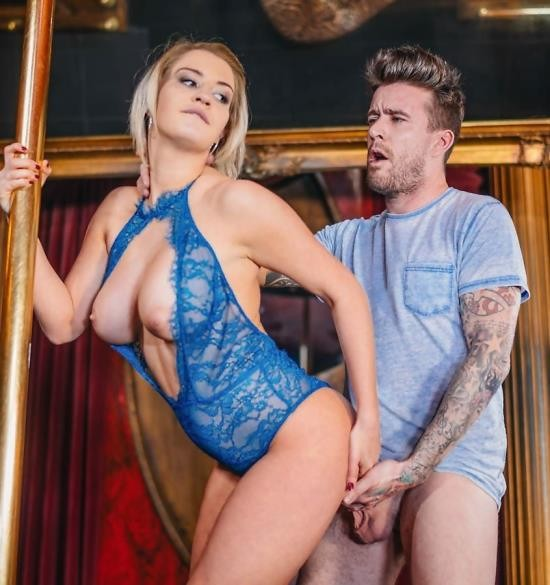 Private - Sienna Day - Stripper Sienna Day fucks the light technician on stage (UltraHD/2.19 GiB)