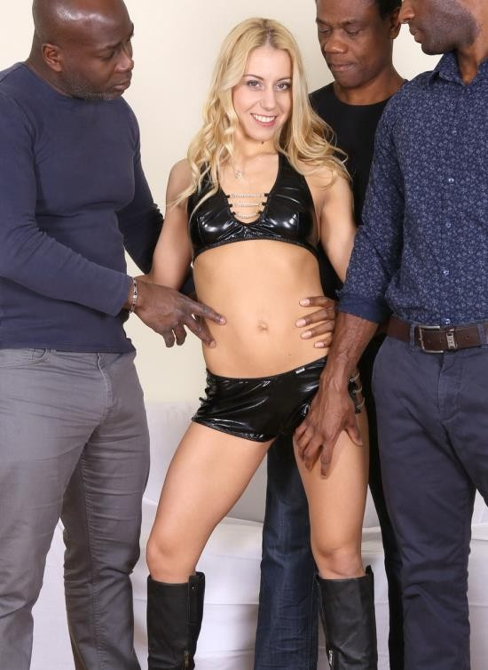 LegalPorno - Nikky Thorne - Look How Nikky Thorn Is Used By Three Black Bulls Including Two Cocks In The Asshole IV070 (HD/2.09 GB)