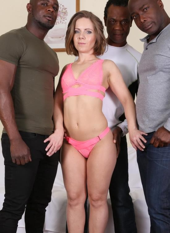 LegalPorno - Sasha Zima - Sasha Zima Is Back To Face Three Bulls. She Gets Fucked Very Well IV071 (HD/1.91 GB)