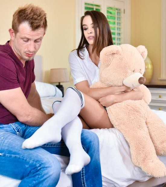 FootsieBabes/21Sextury - Charity Crawford, Bill Bailey - Teddy Bears, Feet And Sex (HD/689 MiB)