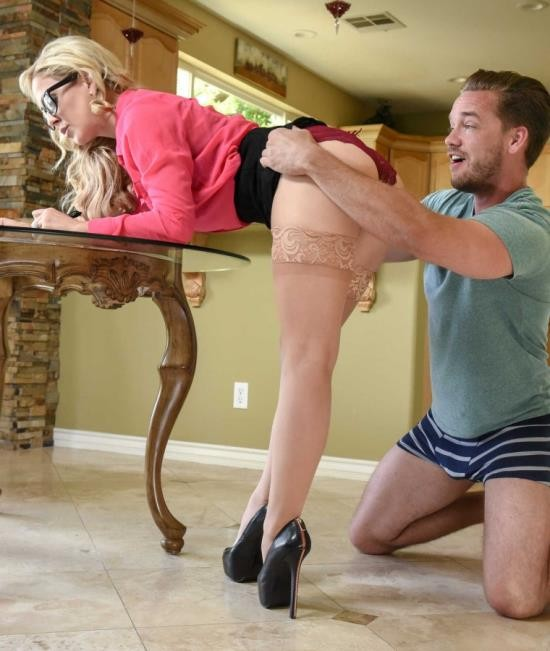 MilfsLikeitBig/BraZZers - Cherie Deville - Moms Got A Meeting (HD/1.96 GiB)