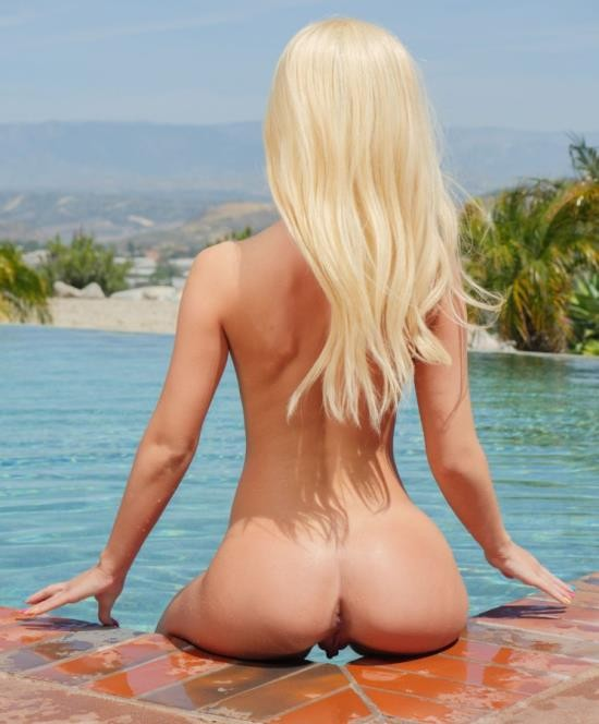 Passion-hd - Bella Rose - Horny By The Pool (FullHD/678 MiB)