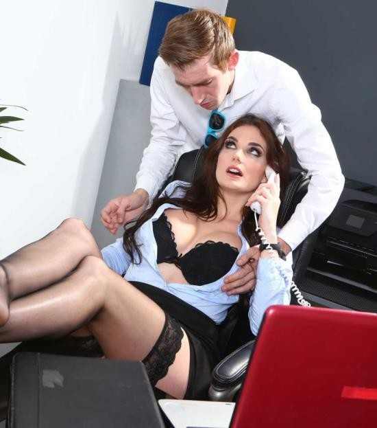 BigTitsAtWork/BraZZers - Marie Clarence - One Very Important Business Call (FullHD/2.75 GiB)
