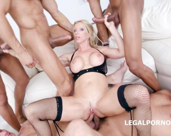 LegalPorno - Lara De Santis - Monstars Of DAP With Lara De Santis No Pussy/Balls Deep/DAP/TAP/Airplane/Gapes GIO424 (FullHD/4.05 GB)