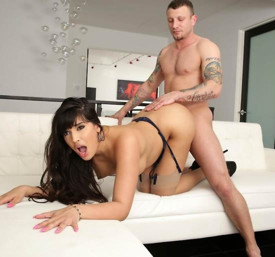 Wicked - Mercedes Carrera, Mr. Pete - Axel Brauns Milf Fest 2, Scene 5 (FullHD/1.31 GiB)