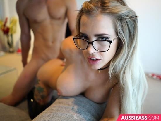 AussieAss - Charlie Brookes - Fucking The Cute Blonde Stripper (HD/1.60 GiB)