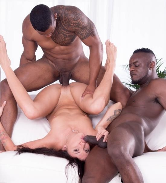 Private - Verona Sky - Verona Sky, her first interracial trio comes with double vaginal (HD/508 MiB)