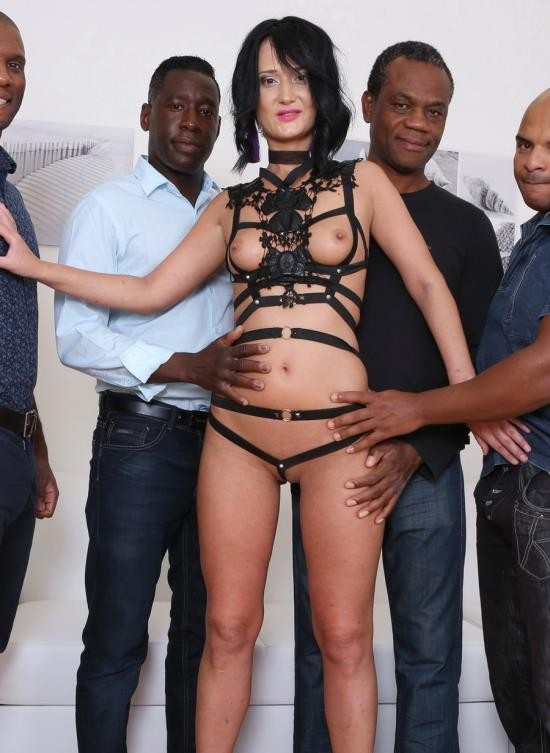 LegalPorno - Angie Moon - Angie Moon Is Back To Face 4 Black Bulls And Receive Hardcore Double Anal IV111 (HD/2.01 GB)