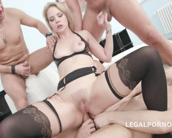 LegalPorno - Lisey Sweet - Monsters Of DAP Lisey Sweet Vs 4 BWD Balls Deep Anal, Balls Deep DAP, Gapes, Swallow GIO577 (FullHD/3.99 GB)