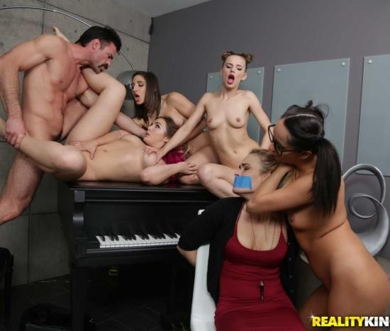 RKPrime/RealityKings - Jillian Janson, Abella Danger, Blair Williams - Bad Bitches Break In (HD/747 MiB)