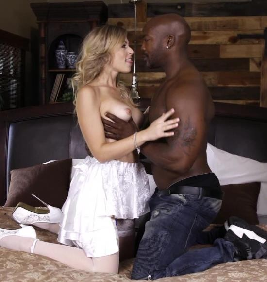ThirdMovies/Ztod - Zoey Monroe - Blonde Hottie Zoey Monroe Getting Fucked Interracially (HD/595 MiB)