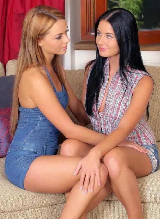 ClubSevenTeen - Susan G, Claudia K - Gorgeous Babes Eating Each Others Pussies (FullHD/1.43 GB)