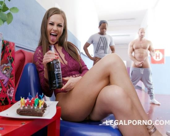 LegalPorno - Tina Kay - Happy B-Day Tina Kay 10 On 1 DAP Gangbang With Balls Deep Anal, Squirting, Gapes, 11 Cumshots GIO655 (UltraHD/12.7 GB)