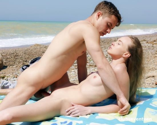 ClubSevenTeen - Alex Diaz - Young Couple Making Out On The Beach (FullHD/1.56 GB)