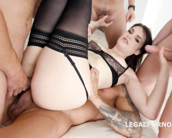 LegalPorno - Hannah Vivienne - DAP Destination With Hanna Vivienne Balls Deep Anal, First DAP, Gapes, Swallow GIO681 (FullHD/3.86 GB)