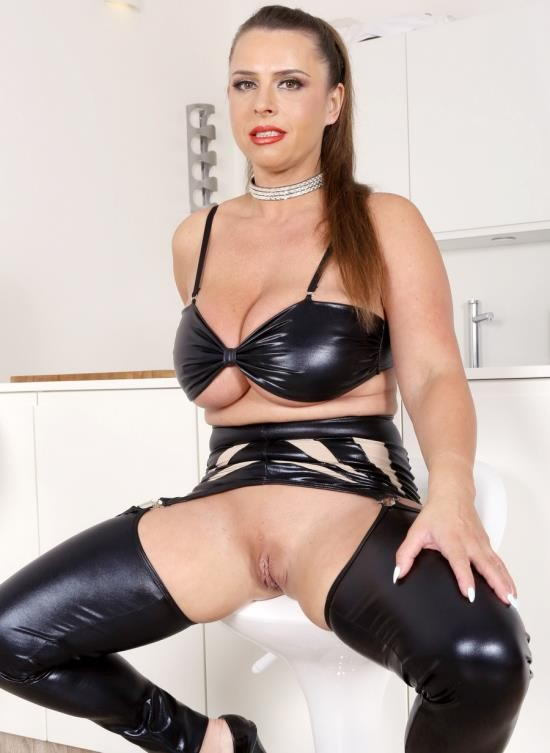 LegalPorno - Sexy Susi - Sexy Susi Goes All Black And Takes Two Cocks In The Ass IV184 (UltraHD/11.9 GB)