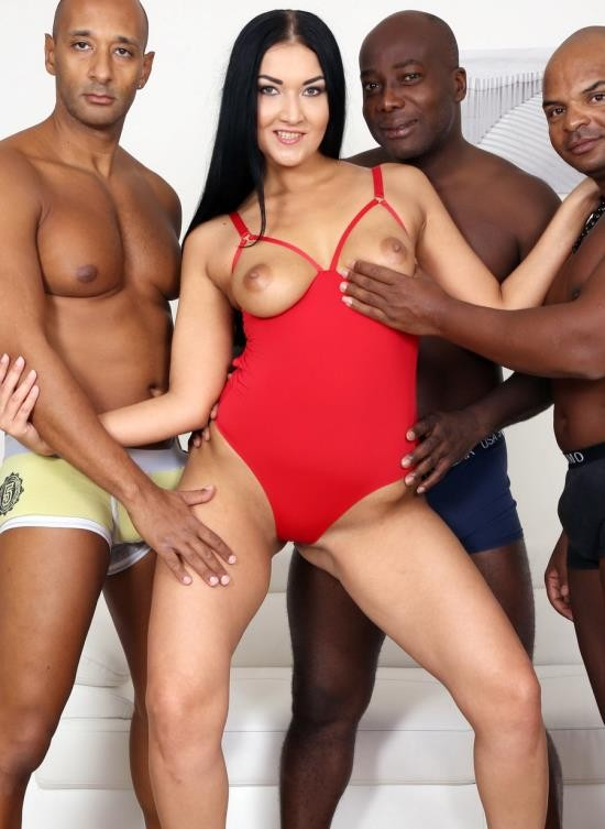 LegalPorno - Vanessa Vaughn - Vanessa Vaughn Has Fun With 3 Black Guys And Balls Deep Anal IV212 (HD/1.62 GB)