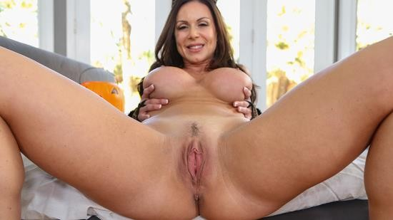 PureMature - Kendra Lust - Make Her Purr (HD/720p/675 MB)