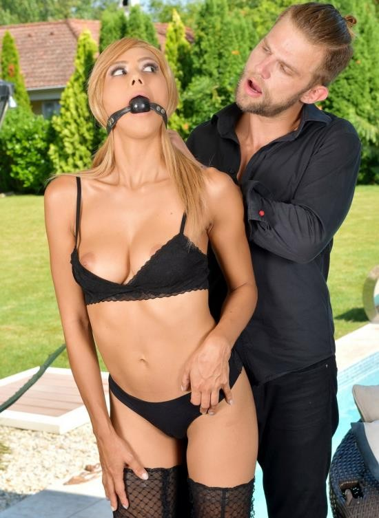 LegalPorno - Veronica Leal - Petite Blondie Veronica Leal Spanked, Gagged And Humiliated Until She Orgasms GP865 (FullHD/1.48 GB)