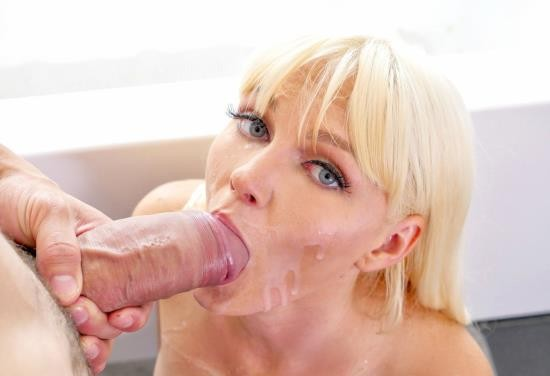 PureMature - Marie McCray - Horny Housewife (HD/720p/758 MB)