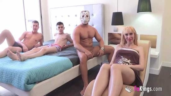 Fakings - Ana Ivanova, John Grey, Jordi - De asistenta del hogar al paro por embarazo a cumplir sus fantasias sexuales. 3 pollas para Ana (HD/720p/500 MB)
