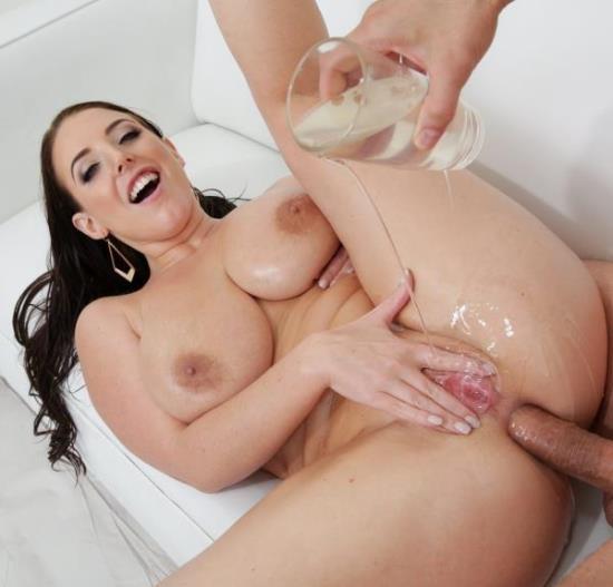 HardX - Angela White - Oil Her Up! (FullHD/1080p/1.49 GB)
