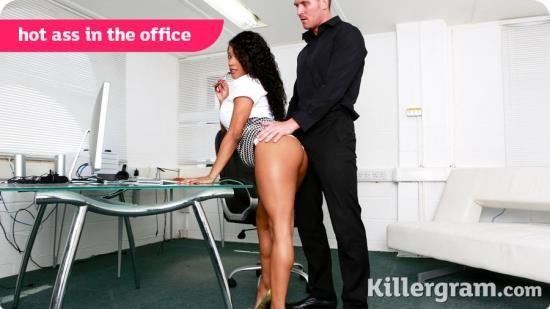 CumIntoMyOffice/KillerGram - Kiki Minaj - Hot Ass In The Office (HD/720p/664 MB)