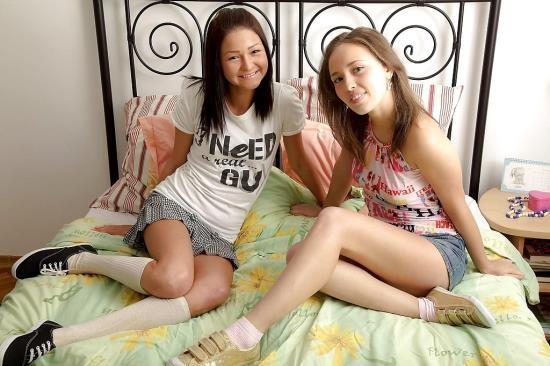 SapphicErotica - Ilina, Lauren - Sextoy Surprise (HD/720p/761 MB)
