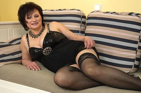 Mature.nl - Dalia - Horny housewife doing her toyboy (HD/720p/816 MB)