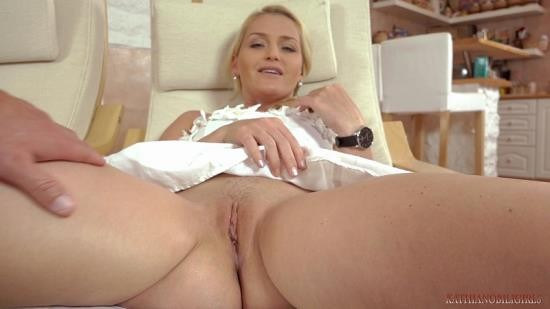 KathiaNobiliGirls - Kathia Nobili - Good boy like you deserve mommy foot job!!! (FullHD/1080p/1.16 GB)