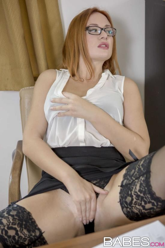 OfficeObsession/Babes - Eva Berger - Naked Lunch (HD/720p/883 MB)