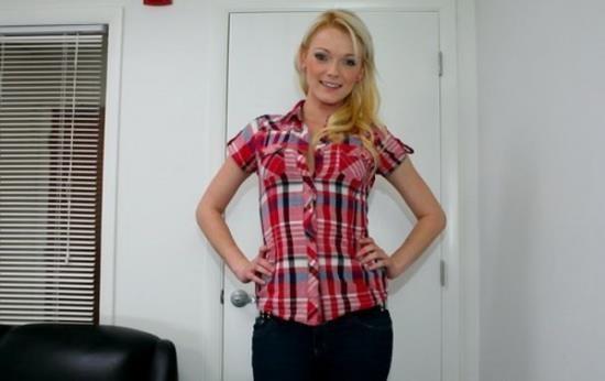 BackRoomFacials/BangBros - Zoey Paige - Amateur has a future (HD/720p/908 MB)