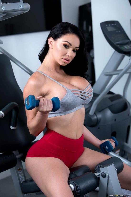 BigWetButts/Brazzers - Brooke Beretta - Workout Sex Club (FullHD/1080p/1.30 GB)