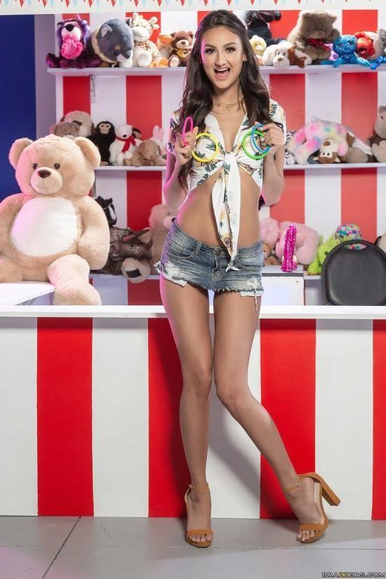 TeensLikeItBig/Brazzers - Eliza Ibarra - Cucked At The Carnival (HD/720p/554 MB)