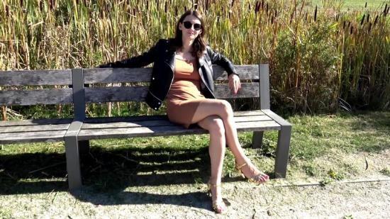 JacquieEtMichelTV/Indecentes-Voisines - Pauline - Pauline ressent lappel de la luxure (FullHD/1080p/1.19 GB)