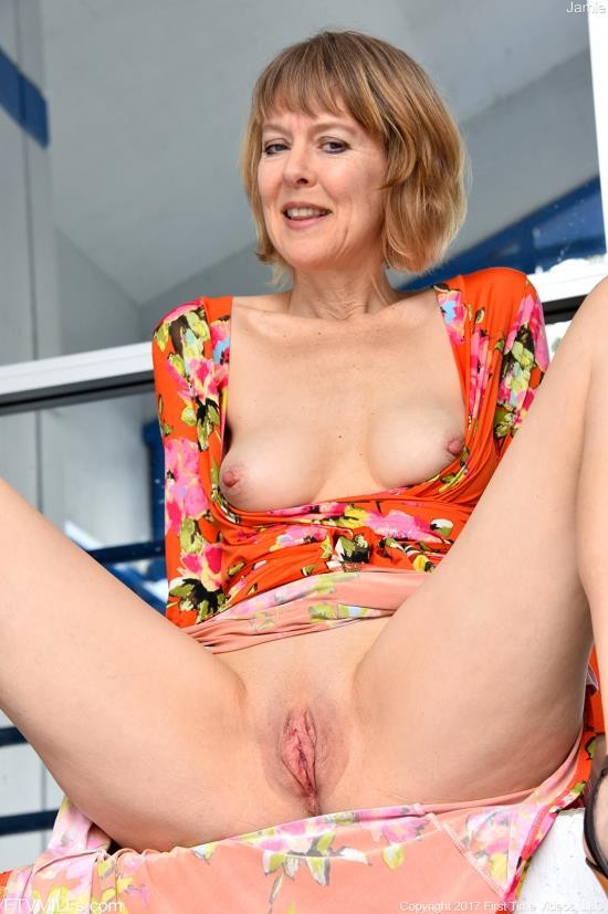 JamieFosterStrips - Jamie Foster - See And Swallow Stepson (HD/720p/200 MB)