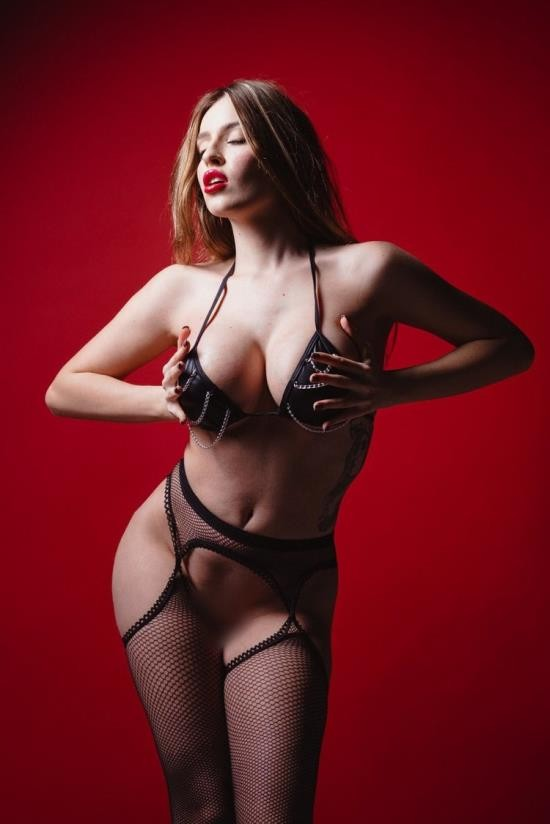 FrameLeaks/PinkoClub - Marica Chanelle - Insatiable Female (HD/720p/444 MB)